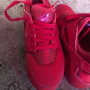 Nike sneakers huaraches
